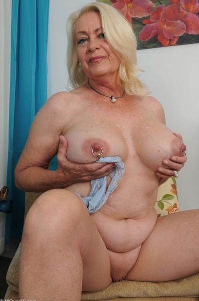 Фото старших голых баб фаллос